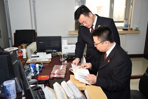 检察院党组的领导下,该部门立案查办了广西自治区