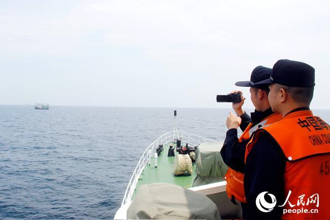 连日来,广西海警总队与广西区渔政,海警南海分局在北部湾海域开展联合