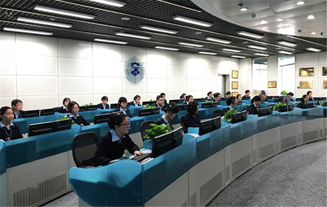 探访北京122接警中心: 日均接警1.1万余次