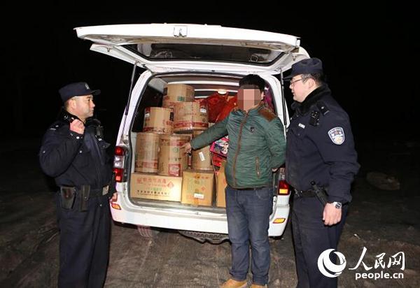 北京怀柔警方再查处一起非法买卖运输烟花爆竹案件