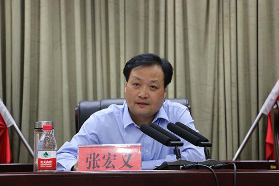 """河南濮阳县聘请1181名执行联络员寻找""""老赖"""""""