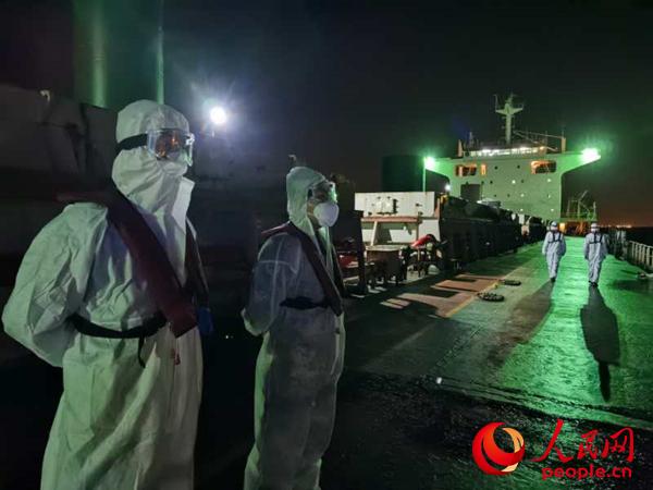 上海海警查获非法采砂5万余吨 案值约500余万元